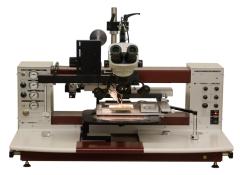 Manual Die Bonder Equipment with exceptional ergonomics.